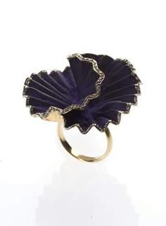 The Fanourakis' rings appeal to any woman who wants a dose of luxury and elegance in everyday life. Eye Jewelry, Jewelery, Carnations, All About Fashion, Ring Designs, Heart Ring, Hand Painted, Rings, Flowers