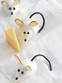 Creepy-Cute Meringue Mice