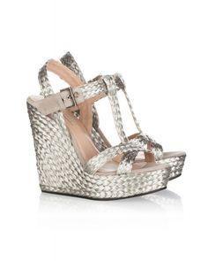 Wedge sandals in silver raffia