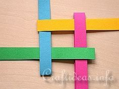Free Craft Instructions - How to Make a German Paper Star (Froebel Star) Page 1