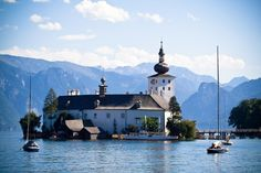 Castle of Schloss Ort - Visit Austria. Schloss Ort - a castle situated in the Traunsee lake, near the Gmunden city. Austria Tourism, Places Around The World, Around The Worlds, Medieval, Visit Austria, Adventures Abroad, World View, Old Houses, Travel Photos
