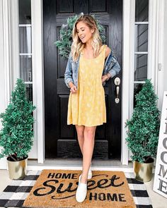 Today's content will look like one-piece dresses that look great. These wonderful suggestions are just for you. Sundress Outfit, Yellow Sundress, Shirt Dress, Most Beautiful Dresses, Fabulous Dresses, Trendy Outfits, Cute Outfits, One Piece Dress, Looks Great