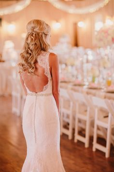 The Bride Gets the First Look at her Sweetly Opulent Reception | PhotoHouse Films | See More! http://heyweddinglady.com/sweetly-opulent-black-tie-te...