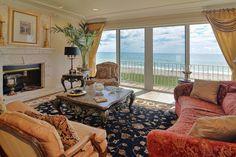 Juno Beach livingroom