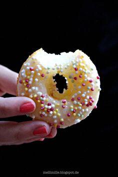mellimille: Sauer macht lustig: Limetten-Quark-Donuts