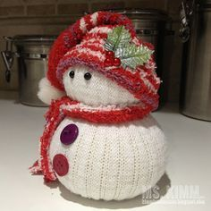 Kimm Landmesser: Handmade Sock Snowmen Tutorial