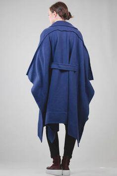 wide cape coat in heavy melange shetland wool - ISSEY MIYAKE