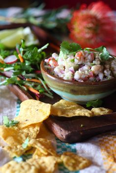El Burro White Fish Ceviche with Nachos Mexican Cooking, Mexican Food Recipes, Paleo Recipes, Yummy Recipes, Recipies, Mexican Dishes, Light Recipes, Nachos, Food And Drink