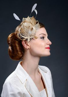 e5d530d2192d2 Beige champagne gold and gold fascinator hat for weddings   Etsy Bibi Doré,  Voile D