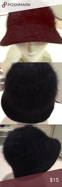 Women's winter Hat Black fluffy winter hat very stylish and cute. david & Young Accessories Hats