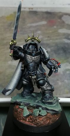 Eureka! miniature painting: Space Marine: Primaris Captain in Black Armour