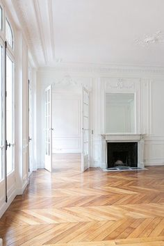 12 Incredible Paris Style Apartment Decoration Ideas for Your Dream Apartment – Home and Apartment Ideas Style At Home, Style Blog, Future House, Apartment Decoration, Herringbone Wood Floor, Dream Apartment, Paris Apartment Interiors, Apartment Design, French Apartment