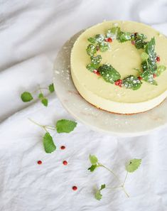 diana ousdal: JULE-OSTEKAKE! Camembert Cheese, Panna Cotta, Dairy, Ethnic Recipes, Food, Dulce De Leche, Eten, Meals, Diet