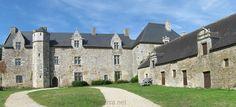 Le manoir du Plessis-Josso (construit vers 1330 par Sylvestre Josso, écuyer ducal, durant la période agitée de la Guerre de Succession de Bretagne)