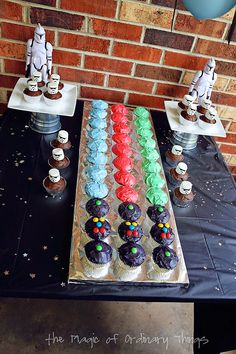 The Magic of Ordinary Things - this mom gave an awesome star wars themed birthday party!