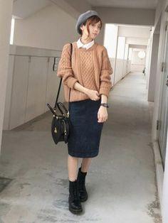 浅倉 まい|カオリノモリのハンチング・ベレー帽コーディネート Pencil Skirt Outfits, Maxi Pencil Skirt, Long Skirt Outfits, Modest Casual Outfits, Korea Fashion, Japan Fashion, Ulzzang Fashion, Comfortable Fashion, Everyday Outfits