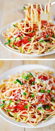 Homemade meatless spaghetti sauce - lots of tomatoes and garlic!