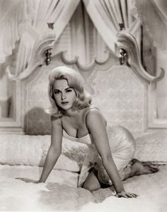 Golden Age Of Hollywood, Vintage Hollywood, Hollywood Glamour, Hollywood Stars, Hollywood Actresses, Classic Hollywood, Classic Actresses, Beautiful Actresses, Hot Actresses