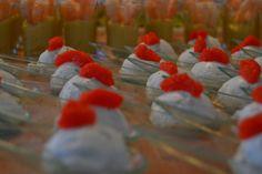 Palline di robiola con erba cipollina e uova di aringa