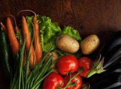 Ausbildung zum Ernährungsberater | Vitalakademie Trainer, Carrots, Stuffed Peppers, Vegetables, Food, Training, Carrot, Veggies, Vegetable Recipes