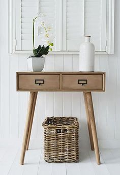 Henley conosle table for New England, cottage and coastal homes
