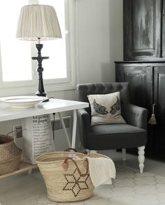 Accent Chairs, Throw Pillows, Bed, Furniture, Home Decor, Upholstered Chairs, Toss Pillows, Decoration Home, Cushions