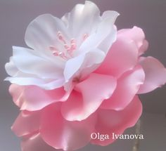 Цветок канзаши flower kanzashi - нежный бело- розовый цветок)