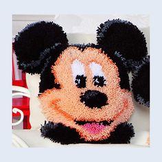 latch hooking | ... Handwerken :: Breigarens - Mickey Mouse - Latch Hook Kit - Vervaco