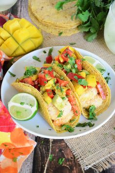 Minute} Coconut Lime Shrimp Tacos with Mango, Red Pepper & Avocado Salsa - The Housewife in Training Files Mango Recipes, Fish Recipes, Seafood Recipes, Mexican Food Recipes, Cooking Recipes, Drink Recipes, Vegetarian Recipes, Healthy Recipes, I Love Food