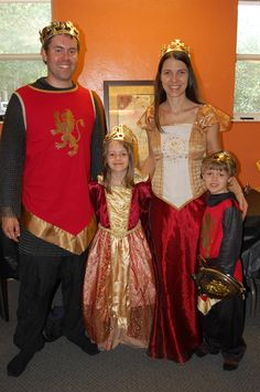The Kings and Queens of Narnia-Narnia Birthday Party www.larkslife.blogspot.com