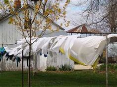 I love this!! So retro, but there is nothing that smells better than laundry hung in the fresh air to dry....