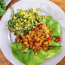 How To Make Hot Honey 'n' Peanut Chicken Lettuce Wraps and Griddled Corn By Rachael Triple Sec, Tequila, Peanut Chicken, Baked Chicken, Sriracha Chicken, Lime Chicken, Katie Lee, Chicken Lettuce Wraps, Corn Salads