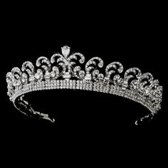 This royal wedding inspired Kate Middleton tiara is absolutely stunning. Our Kate Middleton Halo Tiara is a replica of the original worn by Kate Royal Crown Jewels, Royal Crowns, Royal Tiaras, Royal Jewelry, Tiaras And Crowns, Diamond Tiara, Rose Cut Diamond, Style Royal, Princess Kate Middleton