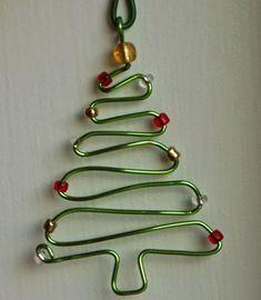 MENTŐÖTLET - kreáció, újrahasznosítás: Drótból angyal és karácsonyfa