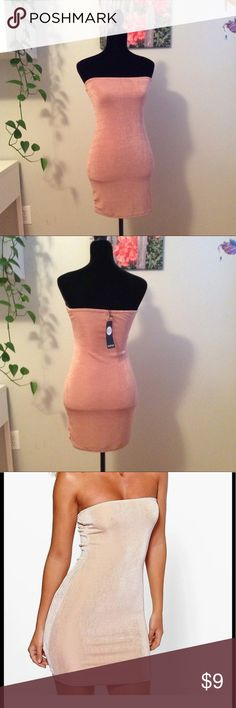 Boohoo Textured Layered Sliky Bodycon Dress 10 M Boohoo Womens Zairis Textured Double Layered Sliky Bandeau Bodycon Dress Rose  US sz Medium 10 UK 14. Stretchy material with double layering foe a firmer fit. Dress is rose color, almost tan. Looks different in various lighting. Boohoo Dresses Strapless