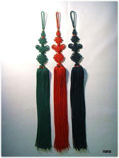 #딸기술 삼작노리개 #한국전통매듭 #korea knot Snapback And Tattoos, Korean Crafts, Korean Accessories, Knot Tattoo, Decorative Knots, Japan Fashion, String Art, Flower Crown, Decoration