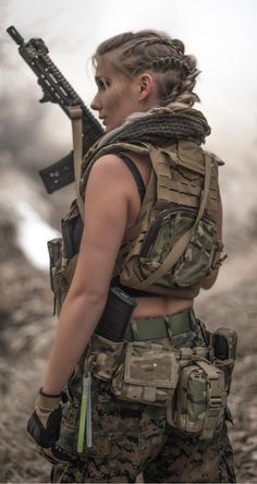 Airsoft hub is a social network that connects people with a passion for airsoft. Talk about the latest airsoft guns, tactical gear or simply share with others on this network Female Soldier, Army Soldier, Military Girl, Warrior Girl, Military Women, Badass Women, Special Forces, Armed Forces, Airsoft