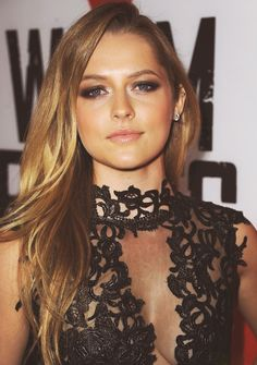 Teresa Palmer @ Warm Bodies Premiere. Global Face of Artistry! She's Gorgeous