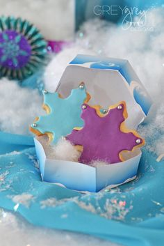 Snowflake cookies at a Disney Frozen Birthday Party! See more party ideas at… Frozen Birthday Theme, Frozen Themed Birthday Party, 4th Birthday Parties, Birthday Fun, Birthday Ideas, Sunshine Birthday, Frozen Movie Party, Disney Frozen Party, Bolo Elsa