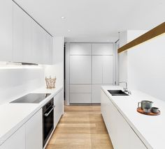 Follow @intdeshomes for daily residential #inspiration, from chic city apartments to cozy country homes! Here, a #kitchen in a West Village apartment by @MessanaORorke reflects the firm's gallery-like approach to interiors. : Eric Laignel. @sandow #architecture #interior #design #interiordesign #nyc #newyork #westvillage #apartment #minimalism... - Interior Design Ideas, Interior Decor and Designs, Home Design Inspiration, Room Design Ideas, Interior Decorating, Furniture And Accessories