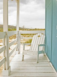 Porches don't have to be fancy to be amazing  http://www.annamariaislandhomerental.com https://www.facebook.com/AnnaMariaIslandBeachLife