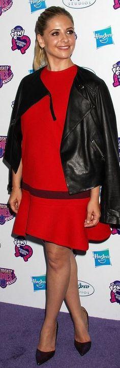 Who made  Sarah Michelle Gellar's red ruffle dress?