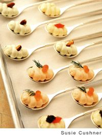 amuse-bouches  little amusing bites of cauliflower & caviar, smoked salmon, & roquefort and walnut, served on spoons.  Beautiful and tasty hors d'oeuvres!  Must try this on spoon collection!