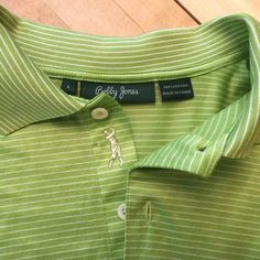 BOBBY JONES size large polo shirt with signature golfer's placket, 100% cotton in green. #BobbyJones #PoloRugby