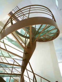 Escalier Design Hélicoïdal en Verre