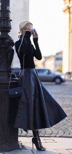 Great Way to Wear Classic Chanel, You Must Want to Copy, Great Outfits, Great Style | Handbags Style