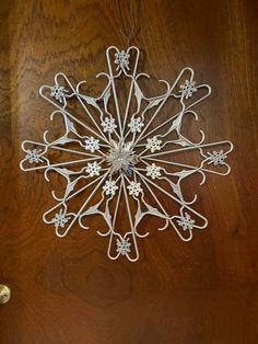 Decorative hanger , Before you buy a landscape painting, or any other pain Diy Christmas Snowflakes, Christmas Holidays, Christmas Wreaths, Christmas Ornaments, Dollar Tree Crafts, Xmas Crafts, Christmas Projects, Hanger Crafts, Outdoor Christmas Decorations