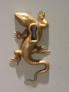 Lizard key hole. Interesting!!!!