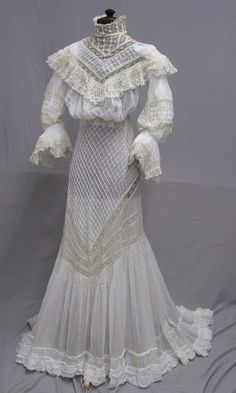 1904 Gibson Girl Lace and Cotton 2 pc. Edwardian Gowns, Edwardian Clothing, Antique Clothing, Historical Clothing, 1900s Fashion, Edwardian Fashion, Vintage Fashion, Vintage Gowns, Mode Vintage