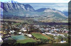 Franschhoek in South Africa - mmm lovely wine Mount Rainier, South Africa, Mount Everest, Vineyard, Asia, Mountains, Cape, Places, Travel
